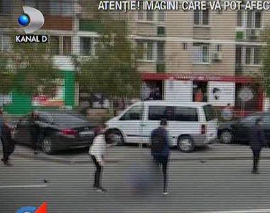 VIDEO  | Patru persoane au fost rănite, la Craiova, după ce o maşină a intrat pe...