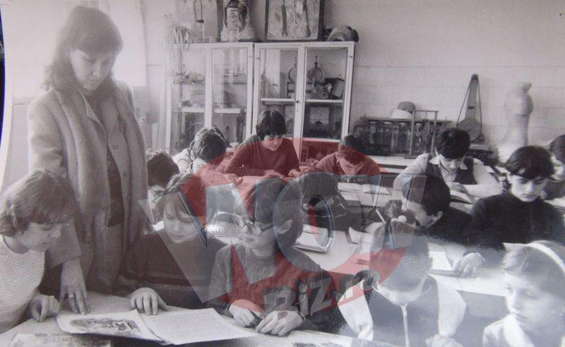 Primele ore predate la scoala de Carmen Iohannis