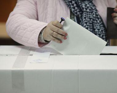 Alegeri prezidenţiale 2019 - Prezenţa la vot la ora 12:00 este 15,73%