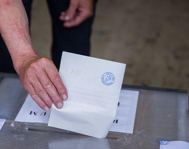 Alegeri prezidenţiale 2019 - Un membru al unei secţii de votare din Dolj, cercetat de...