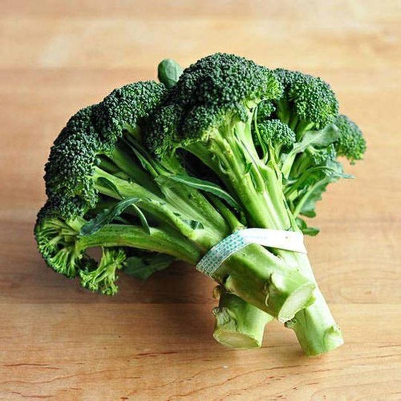 Rețetă colorată de murături. Combinație nemaipomenită: Conopidă cu broccoli și morcovi în oțet