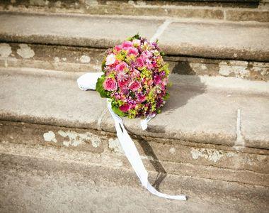 Gestul neașteptat al unei mirese: a citit ca jurământ la nuntă mesajele trimise de...