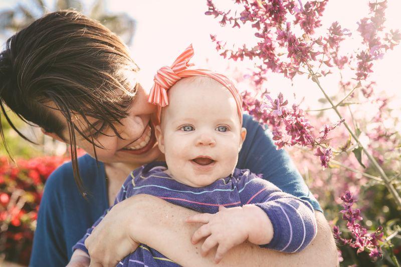 Sute de mame din București nu au primit indemnizația pentru concediul postnatal
