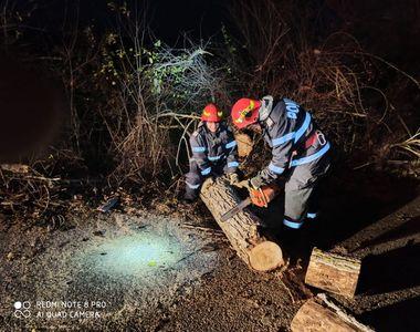 VIDEO | Fenomene meteo periculoase! Vântul a făcut ravagii în mai multe zone din România