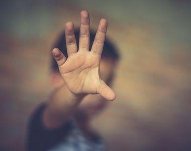 VIDEO | Dezvăluiri teribile în cazul copilului abuzat de tată, un reputat chirurg din...