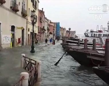 """Nivelul de alertă meteorologică a fost scăzut uşor la Veneţia, de la """"roşu""""..."""