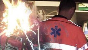 VIDEO | Un copil de trei ani, ars de rufele puse la uscat pe sobă, plimbat între trei spitale