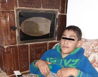 """Clipe de panică pentru """"Micul Hercule"""" după ce fratele său mai mic a fost operat de..."""