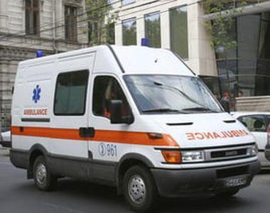 Trei eleve de la un liceu din Prahova, duse la spital după ce s-au simţit rău din cauza...