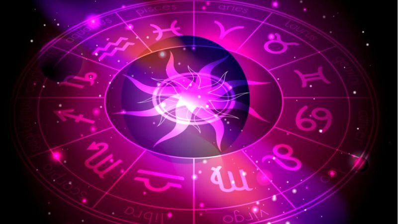 Horoscop 2020. Vezi ce îți rezervă astrele în noul an, care se anunță norocos pentru un sfert din zodii