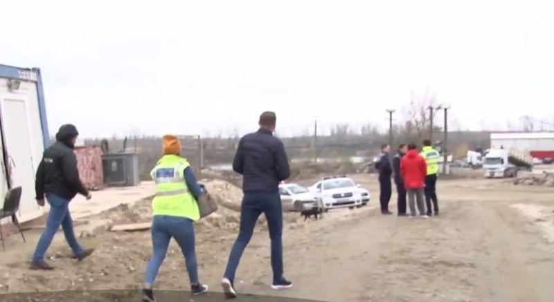 Tânăr din Dâmbovița îngropat sub un maldăr de pietriș
