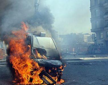 Mașina capcană a ucis 17 persoane și a rănit alte 20