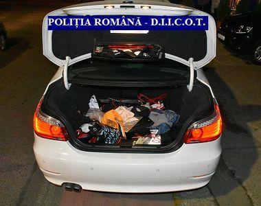 Mașină burdușită cu droguri, depistată de polițiștii din Arad