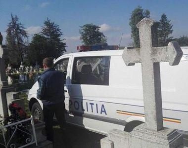Caz șocant în Botoșani. Trădat în dragoste, un bărbat a vadalizat mormântul soţului...