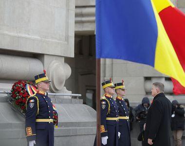 Klaus Iohannis a venit fără soție sa la parada militară. Ce a postat Carmen Iohannis pe...