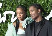 VIDEO | Rihanna, apariție de senzație la British Fashion Awards. Naomi Campbell a plâns pe scenă