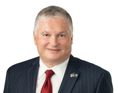 Noul ambasador al SUA în România a fost acuzat de hărţuire sexuală de secretara sa:...