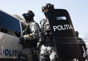 Percheziţii DIICOT şi DGA la Poliţia Caraş-Severin, după ce un şef şi mai mulţi angajaţi ar fi ajutat anumite persoane să obţină autorizaţii de deţinere a armelor sau ar fi favorizat persoane cu funcţii importante care aveau deja arme