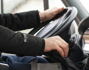 Accident rutier de proporții după ce au schimbat locurile la volan, de teama poliției