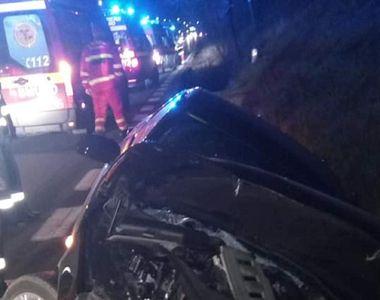 Accident teribil: șoferul unei mașini a adormit la volan. Patru tineri au ajuns de...