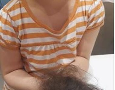 """Povestea șocantă a unei mame îndurerate: """"Fiica mea a venit la mine cu părul căzut în..."""