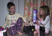 VIDEO | Prima noapte magică a sfârșitului de an. Moș Nicolae le-a adus copiilor o mulțime de cadouri