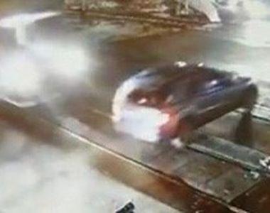VIDEO | Inconștiența unui șofer. A fost la câțiva centimetri de moarte