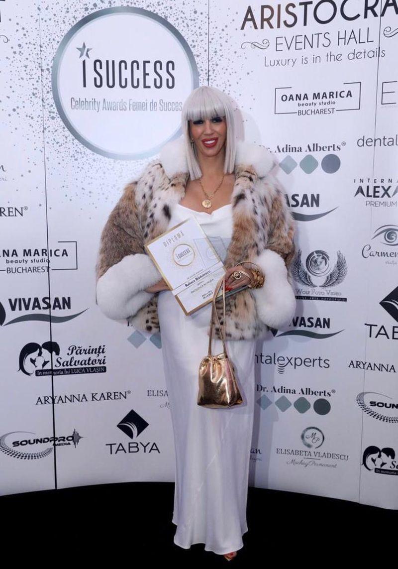 """Silvia Ioniță, premiată pentru Excelență în Jurnalism, la Gala """"Celebrity Awards Successful Women"""