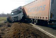 Accident grav în Hunedoara! Doi bărbați au murit pe loc după ce au ajuns sub roțile unui TIR