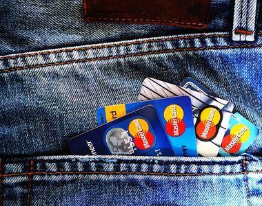 Una din trei companii din România va oferi angajaţilor carduri şi tichete cadou de Crăciun