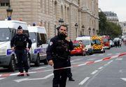 """Bărbat """"neutralizat"""" prin împuşcare în cartierul de afaceri La Défense după ce ameninţă poliţişti cu o armă albă"""