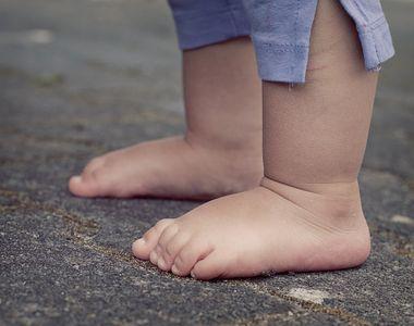 Caz halucinant. Un bebeluș român a fost găsit mort pe străzi