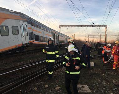 VIDEO   Două trenuri CFR s-au ciocnit frontal: Unsprezece oameni au fost răniți. Unul...