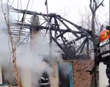 Sfârșit cumplit pentru un bătrân din Argeș. A ars de viu, după ce locuința i s-a făcut...