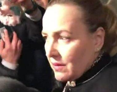 VIDEO | Carmen Dan, așteptată cu cătușe la ieșirea de la DIICOT