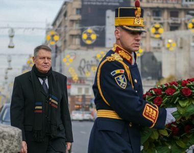 Iohannis a depus o coroană de flori în Piaţa Universităţii, în memoria victimelor...