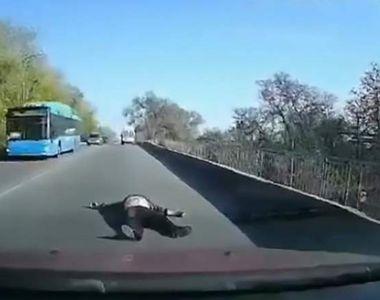 Imagini teribile cu o pacienta căzută din salvare. Echipajul medical a realizat că...