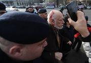 Gelu Voican-Voiculescu, huiduit şi lovit în Piaţa Universităţii, la ceremoniile dedicate Revoluţiei