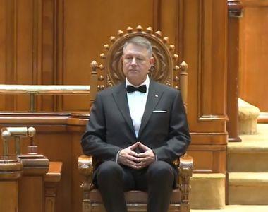 Klaus Iohannis, binecuvântat de Patriarhul Daniel la jurământul de învestire în funcție...