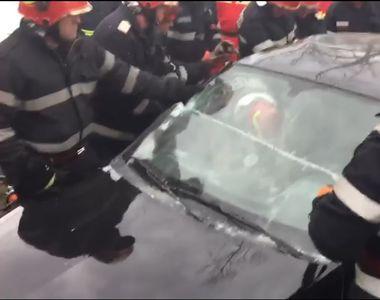 Accident teribil în Hunedoara: zeci de pompieri au intervenit să salveze trei fetițe...