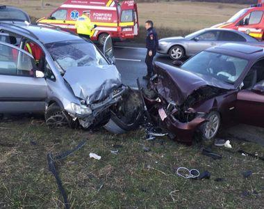 Sibiu: Două maşini s-au ciocnit pe DN 7, după ce un şofer cu experienţă de doar un an a...