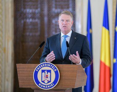 Cum arăta Klaus Iohannis acum 40 de ani! Uite-l pe preşedintele României la bustul gol,...