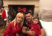 """Elena Udrea publică o nouă fotografie cu familia: """"Crăciun fericit împreună cu cei pe care îi iubiţi!"""""""