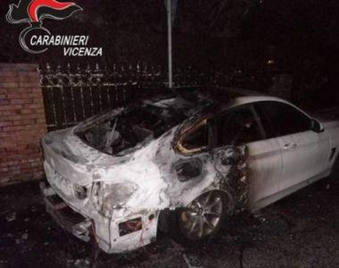 Român reținut în Italia după ce a incendiat două mașini de lux