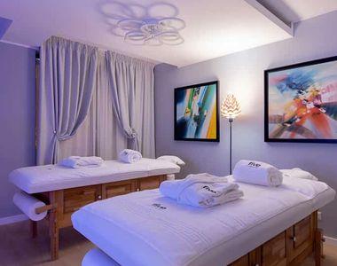 Ai nevoie de un masaj terapeutic? Five Massage este primul salon de masaj care ofera...