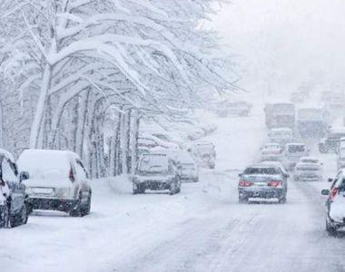Trafic îngreunat din cauza zăpezii pe drumurile din 17 judeţe