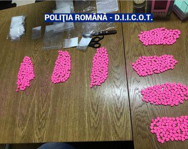 Bărbat arestat preventiv, prins cu droguri de 60.000 de euro, într-un apartament din...