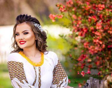 Cea mai sexy cântăreață de muzică populară, ședință foto incendiară! Irina Maria Birou...
