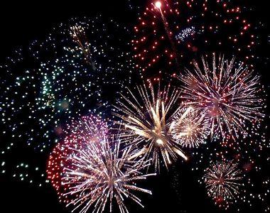 Anul Nou în mai multe zone ale lumii: Bătăi în stradă, spargerea farfuriilor, arderea...