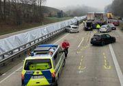 Accident teribil în Germania: 12 mașini implicate. BILANȚ TRAGIC: 2 morți și 6 răniți. Un șofer român de TIR a fost rănit